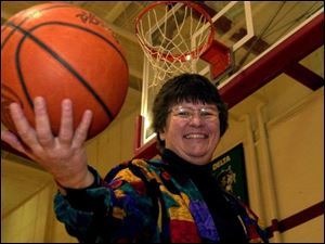 Karen Lammon Moden joined the Arkansas Travelers women's basketball team and toured the country, seldom losing.