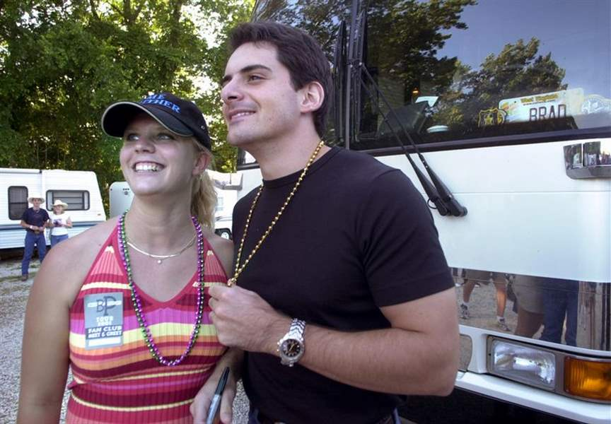 Backstage-at-country-festival-3