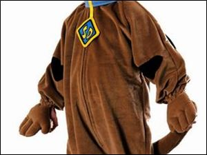 Scooby Doo costume can add to the humor in Halloween.