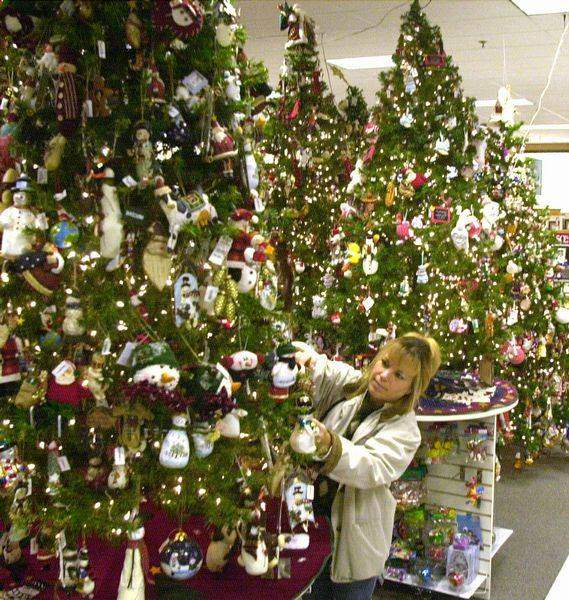 Green-Christmas-is-retailers-hope-2