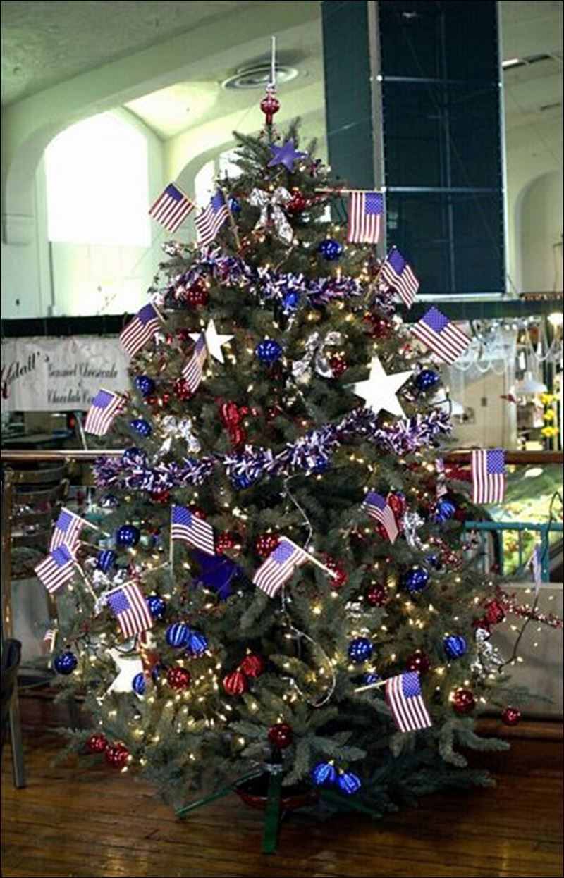 A red white and blue christmas toledo blade - White and blue christmas tree ...