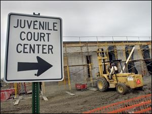 REG regcon14 03 - 011402 - Construction at the Wood County Juvenile Court construction site.. The Blade/Allan Detrich