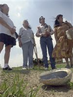 Native-American-ceremony-blesses-graves-at-Fort-Meigs