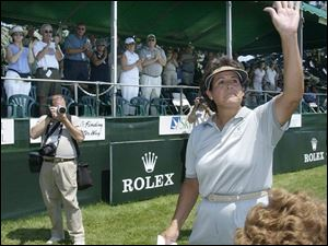 Nancy Lopez fights back tears as she acknowledges the standing ovation she received after her final Farr round ... this year.