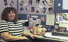 Their-little-corner-of-the-world-Personal-touches-brighten-office-cubicles