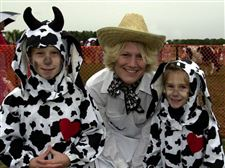 Cows-do-part-for-fund-raiser