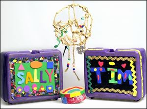Children's holiday crafts don't have to be elaborate. Decorated lunch boxes, a dream catcher, and a small painted box are easy to do, yet have a handmade touch.