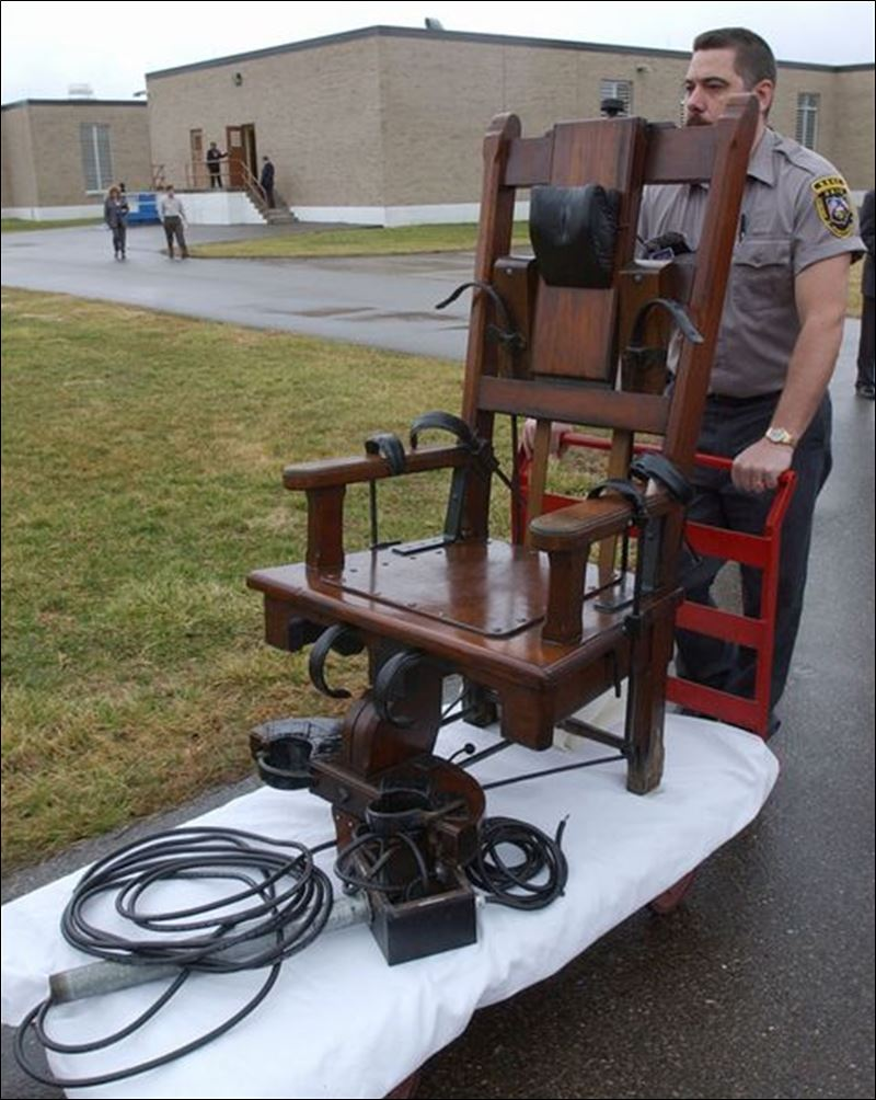 Real electric chair execution photos - Electric Chair Execution Aftermath