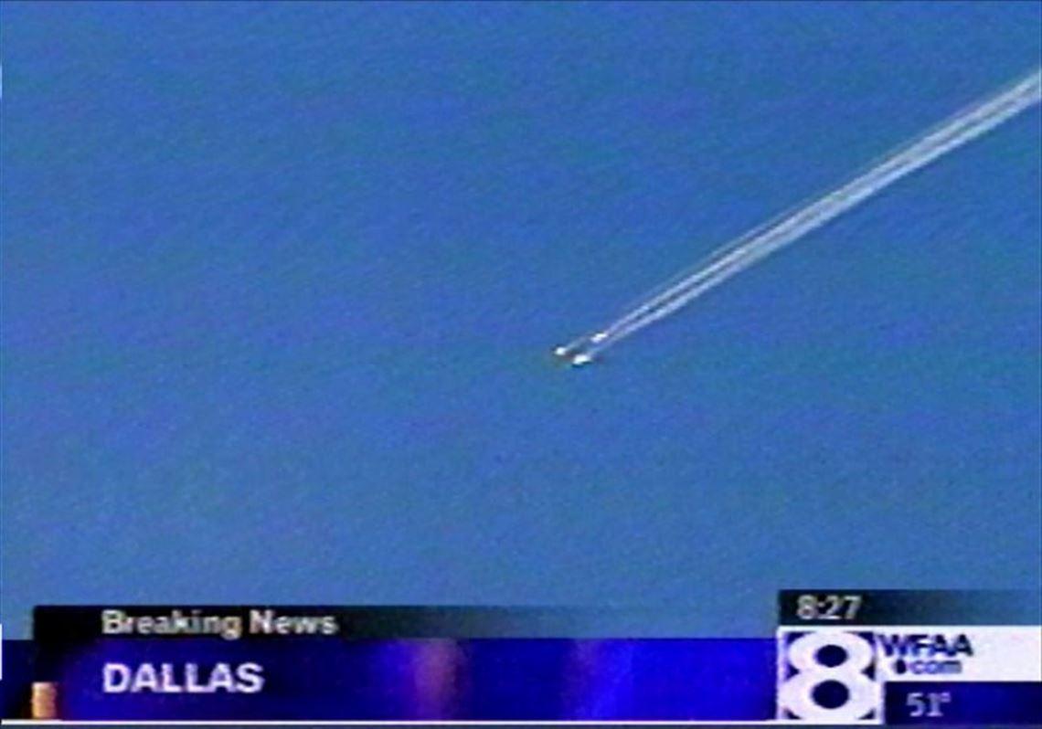 space shuttle breaks into flames, killing 7 astronauts | toledo blade