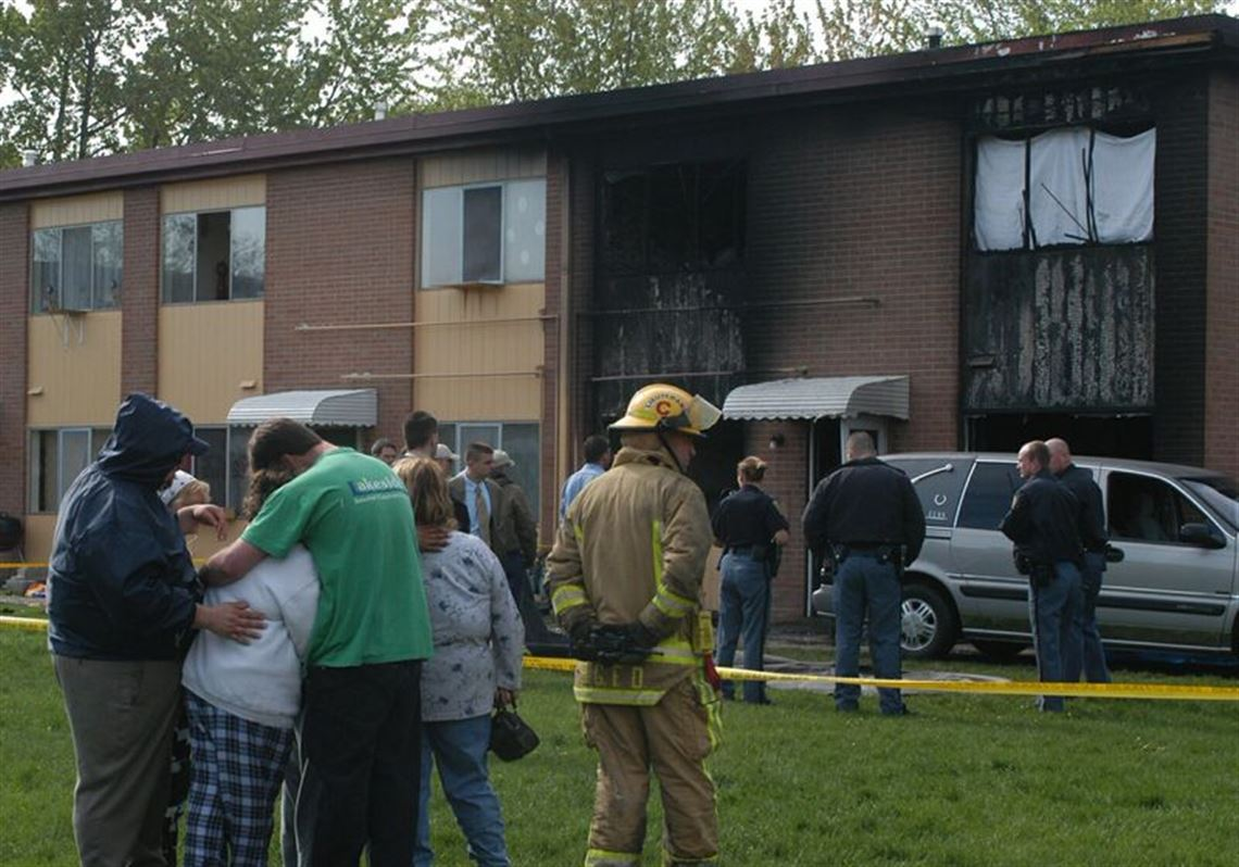 3 killed in fast-moving B G  apartment fire | Toledo Blade
