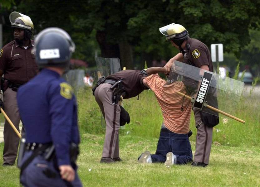 Police-rain-quell-mayhem-in-Benton-Harbor-after-2-straight-nights-of-riots