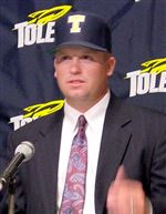 UT-selects-Mee-as-baseball-coach