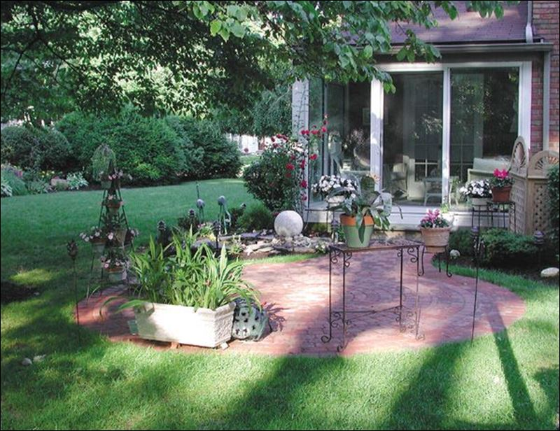 Creating ultimate outdoor living spaces toledo blade for Creating an outdoor living space
