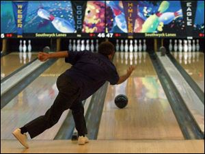Norm Duke won the 2000 PBA National Championship in Toledo, but his 195.9 average yesterday wasn t enough.