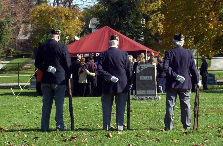 Dwindling-ranks-of-honor-guards-pose-problems-for-military-funerals
