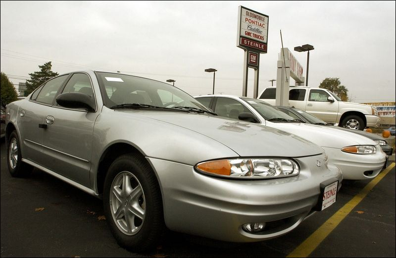 Area olds dealers to keep selling until the end toledo blade for Knapp motors blissfield michigan