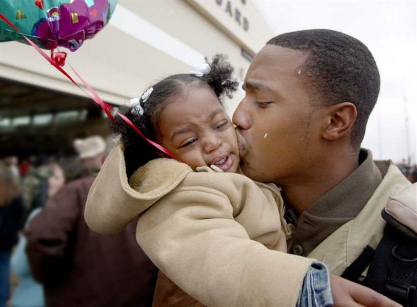 Guardsmen-return-to-Toledo-after-8-month-Iraq-deployment