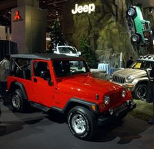 Jeep-s-Stretch-Wrangler-finally-makes-its-debut