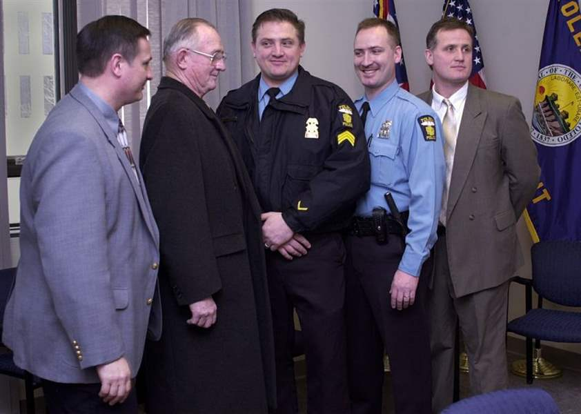 Toledo-police-promotion-ceremony-has-family-feeling