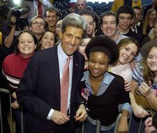 Kerry-targets-Bush-s-economics-in-University-of-Toledo-speech