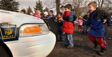 Maumee-pre-schoolers-delight-in-visit-by-Toledo-police