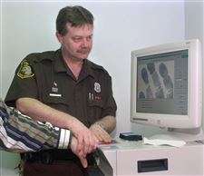 Monroe-County-puts-its-fingers-on-electronic-identification