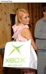 PARIS-HILTON-ACCESSORIZING-AS-MICROSOFT-ANNOUNCE-PRICE-OF-XBOX