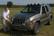 Chrysler-pays-homage-to-Cherokee-in-lines-of-2005-Liberty-Renegade