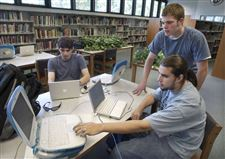 Anthony-Wayne-Savvy-students-doctor-computers-during-summer
