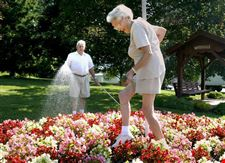 Waterville-Gardening-is-gift-to-community