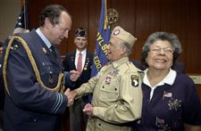 Toledo-barber-honored-for-WW-II-service