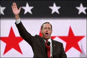 Ohio Gov. Bob Taft rallies Buckeye State delegates. He is chairman of the Republican Governors Association.