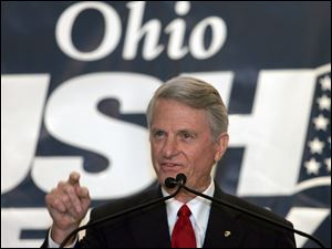 Sen. Zell Miller of Georgia, a Democrat, tells the Ohio Republican delegation why he supports President Bush.