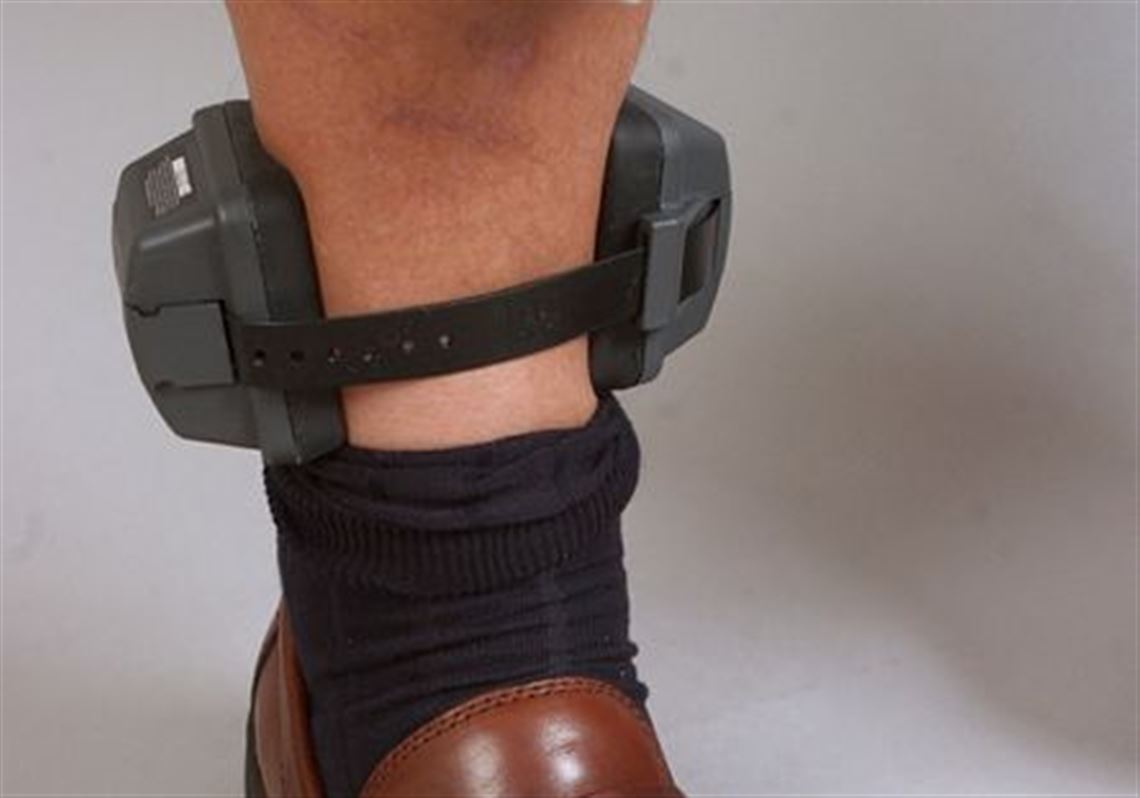 This Ankle Bracelet Detects Alcohol In Sweat Using A Pump That Scoops Up Trace Amounts
