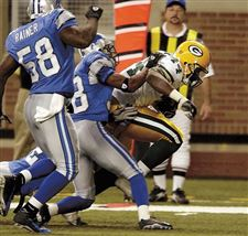Packers-pound-Lions
