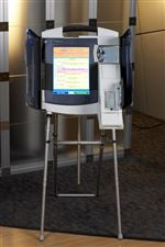 Lucas-County-eyes-touch-screen-voting