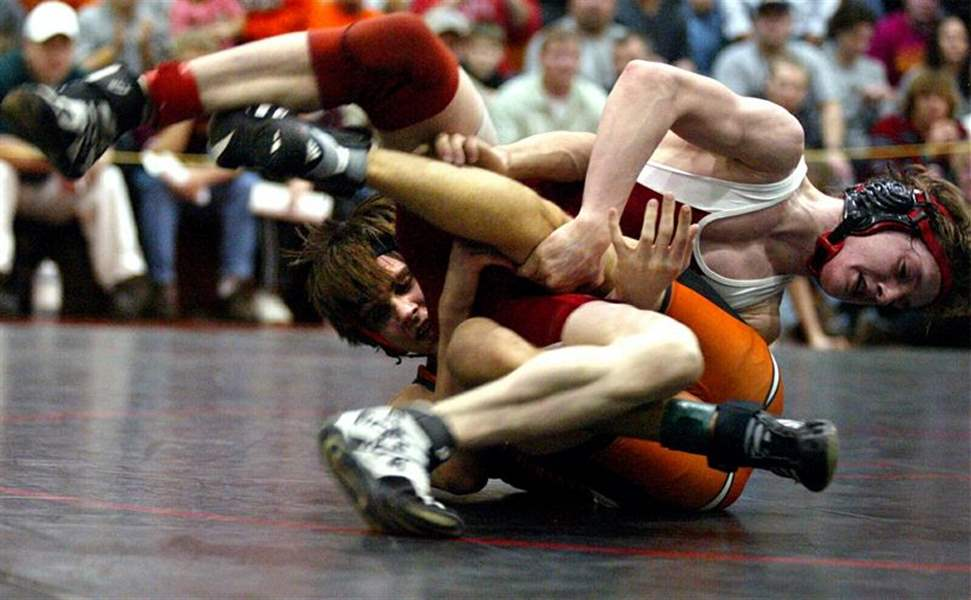 District-wrestling-LC-sends-5-to-state