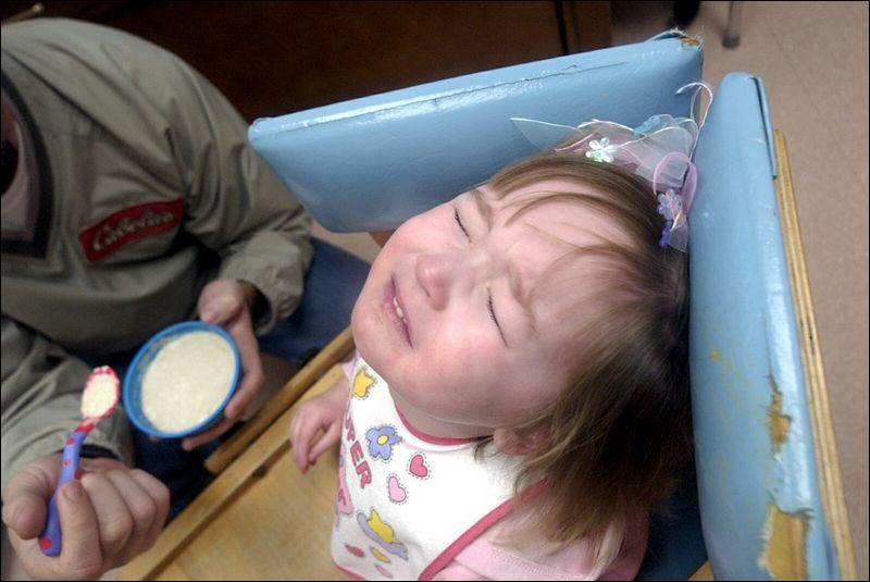 https://www.toledoblade.com/image/2005/02/25/800x_b1_cCM_z/Parents-struggle-with-kids-who-won-t-eat-feeding-problems-prematurity-linked-2.jpg