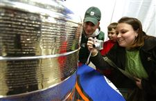 Players-locked-out-but-Stanley-Cup-in-with-fans