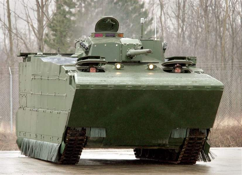 Amphibious-military-vehicle-in-prototype-trials-in-Lima