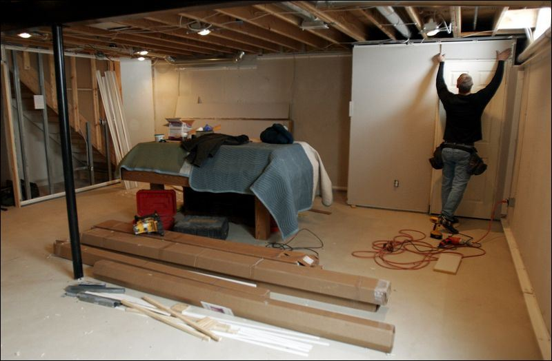 kolodziejczyk of basement experts installs an owens corning system