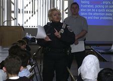 Toledo-Officer-specializes-in-bullying-advice