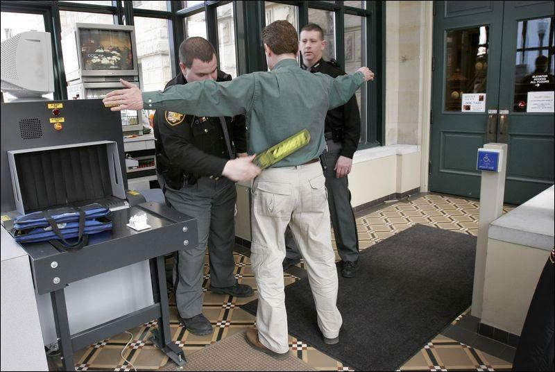 counties confront court security issues toledo blade. Black Bedroom Furniture Sets. Home Design Ideas