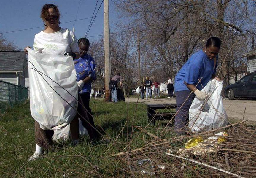Spring-cleanup-rids-neighborhoods-of-trash-by-the-ton