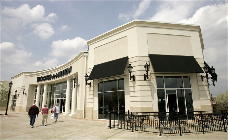 Area book battle goes heavyweight toledo blade for Jewelry store levis commons perrysburg
