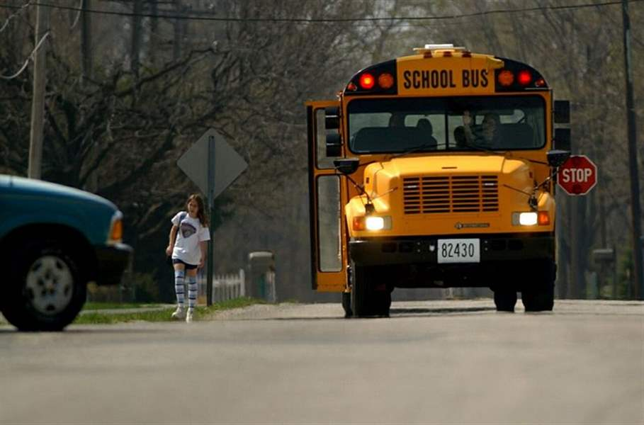 Drivers-ignore-school-bus-safety-2