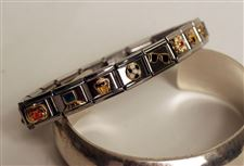 Charmed-New-designs-fuel-a-renaissance-in-the-popular-bracelets