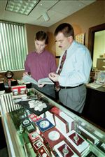 Toledo-area-coin-dealer-counted-on-GOP-ties-to-bolster-business-2