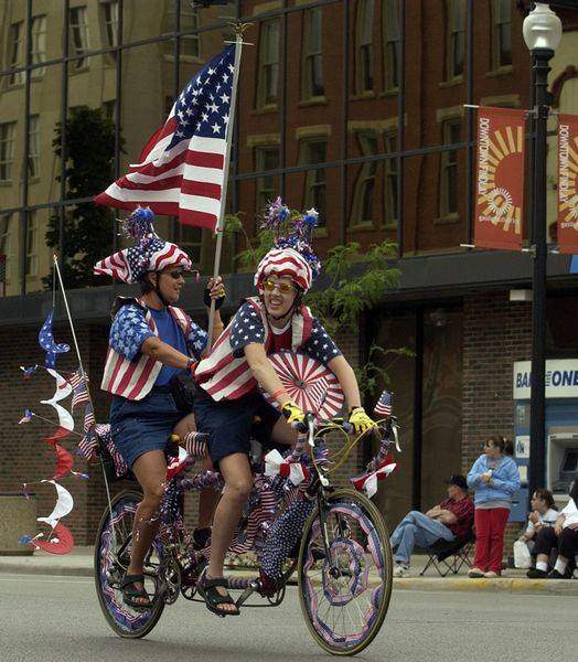 Weeklong-bicycle-tour-converges-on-Findlay-2