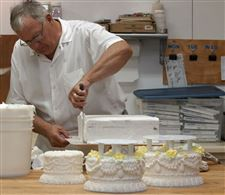 The-making-of-a-wedding-cake